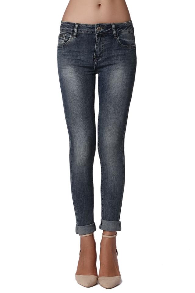 Jeans apertados de altura média com lavagem de pedra escura