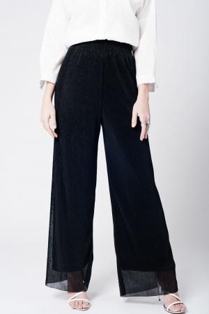 Calça preta plissada de perna larga com elastico