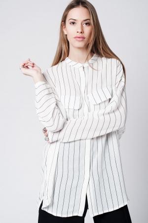 Camisa branca listrada longa
