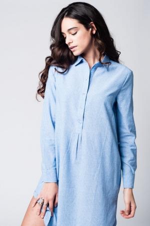 Vestido de camisa listrada azul com botões