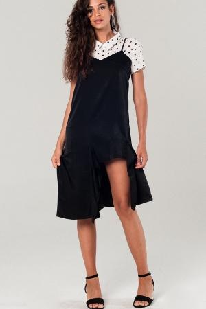 Vestido preto bainha assimétrica