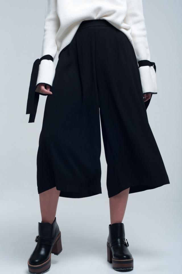 Saia calças calcinha cor preta