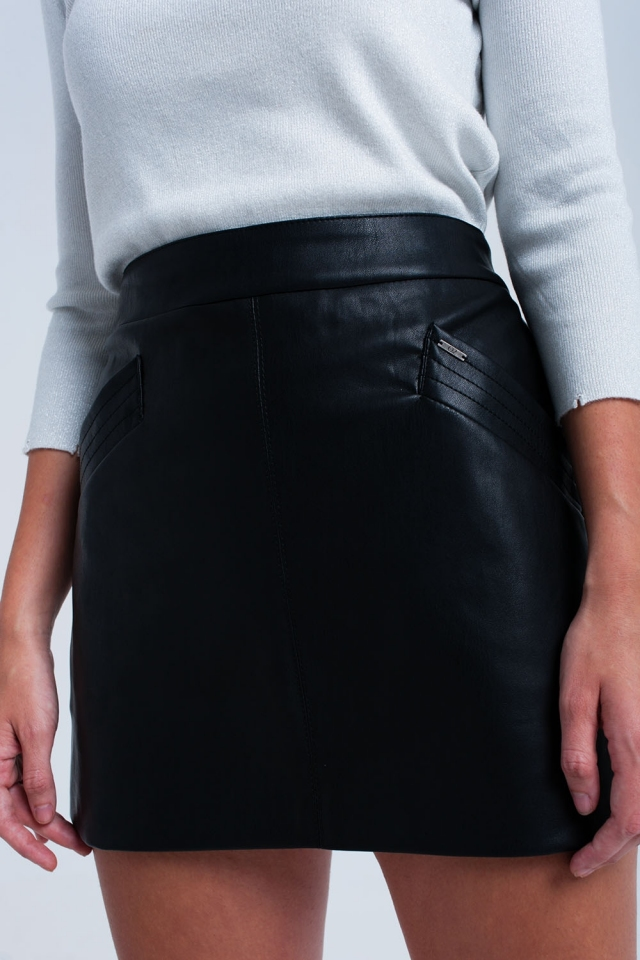 Saia de couro sintético preto