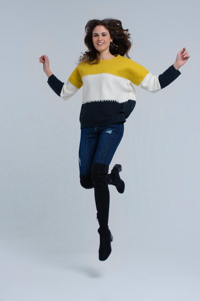 Suéter de malha amarelo com pérolas