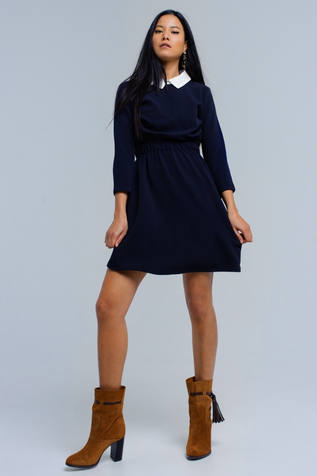 Vestido azul marinho com cintura elástica