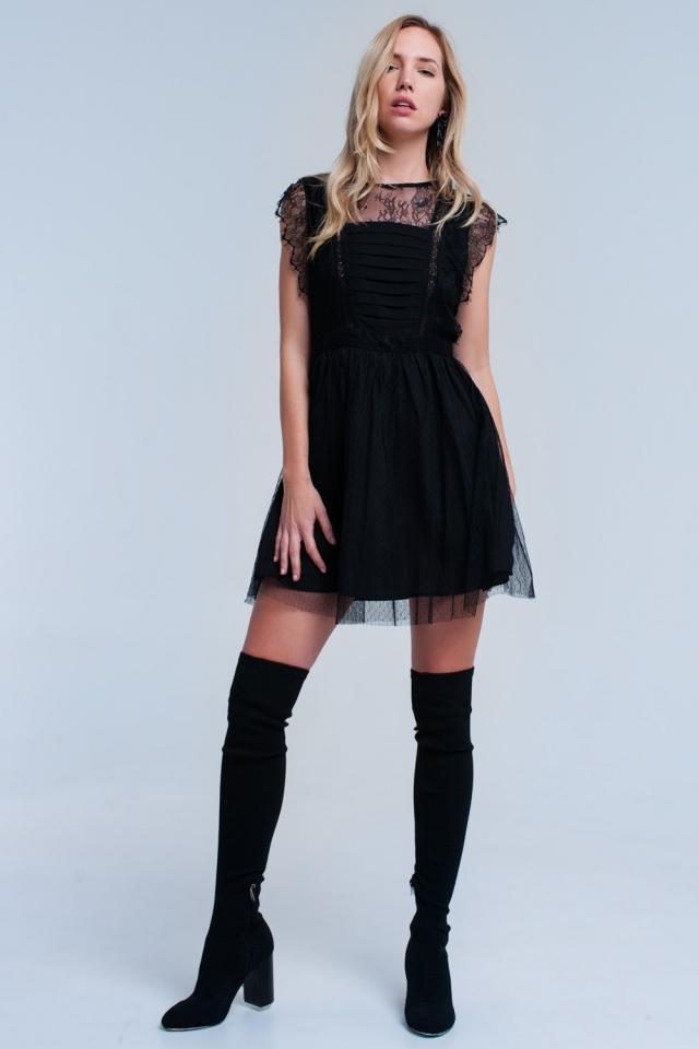 Mini vestido preto com renda