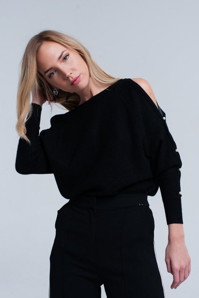 Camisola de malha preta com detalhe de pérola