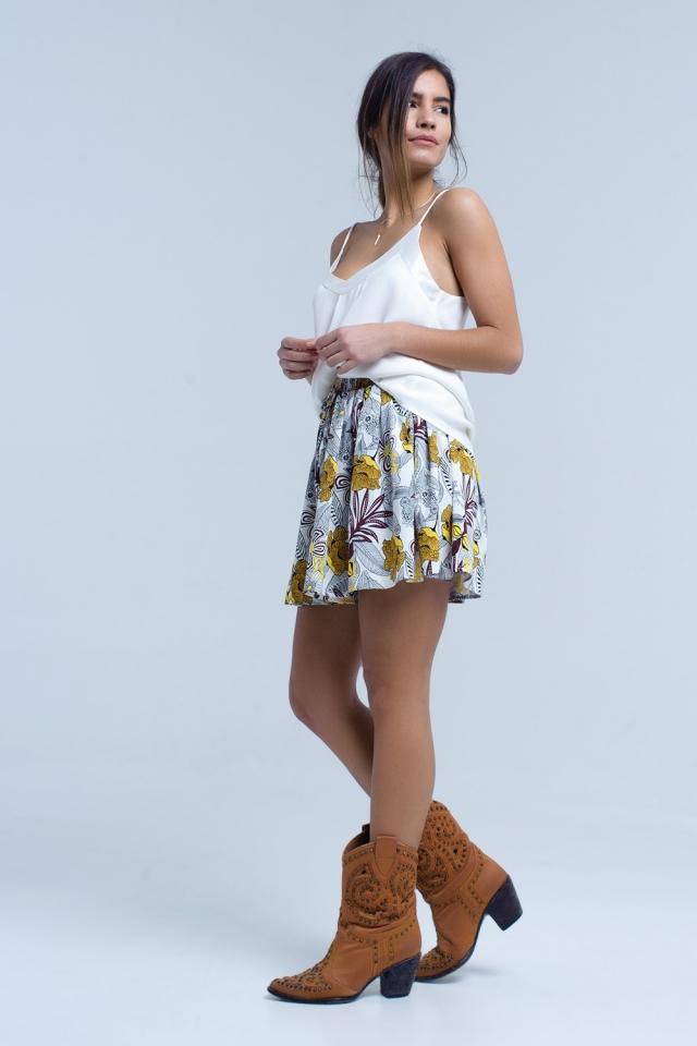 Mini skorts amarelos com estampa floral