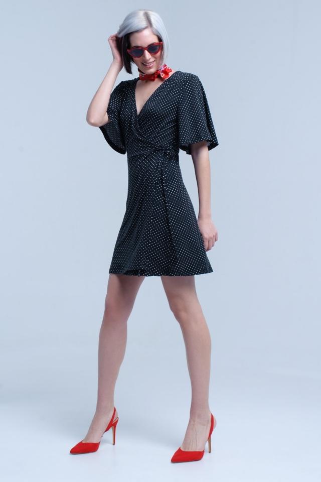 Vestido de midi de bolinhas frente envoltório preto