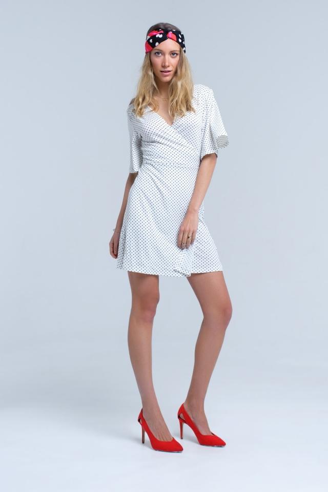 Vestido de midi de bolinhas frente envoltório branco