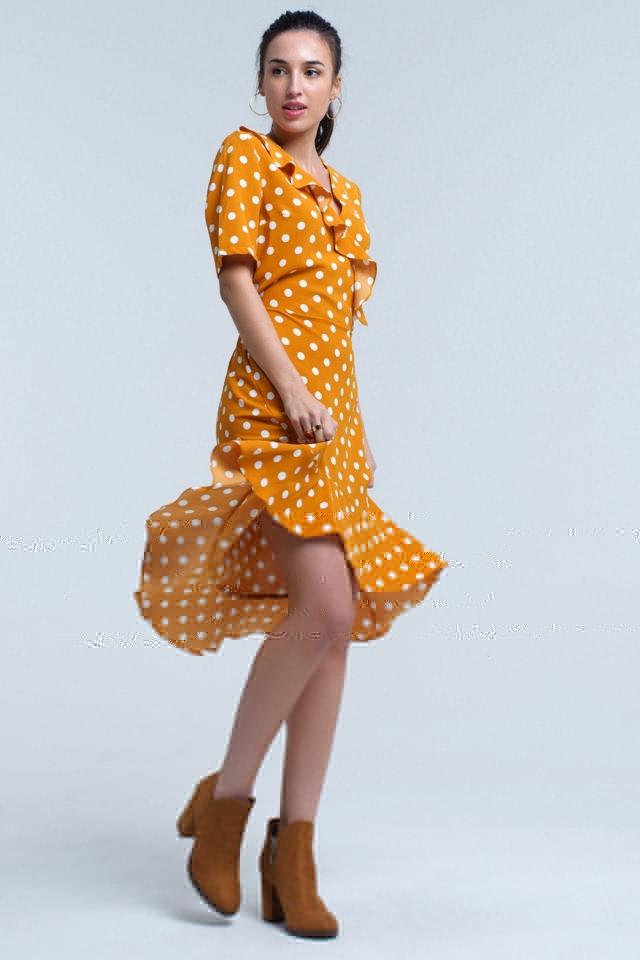 Vestido assimétrico de bolinhas de mostarda