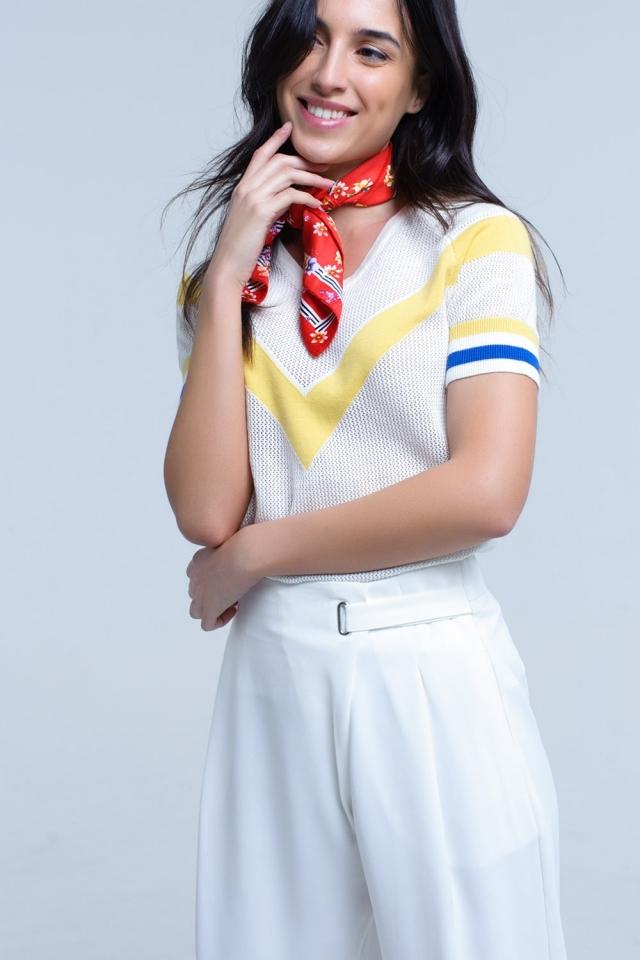 Camisola de openwork branco com detalhe amarelo