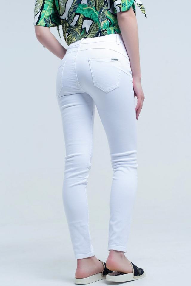 Calça skinny branca push-up efeito