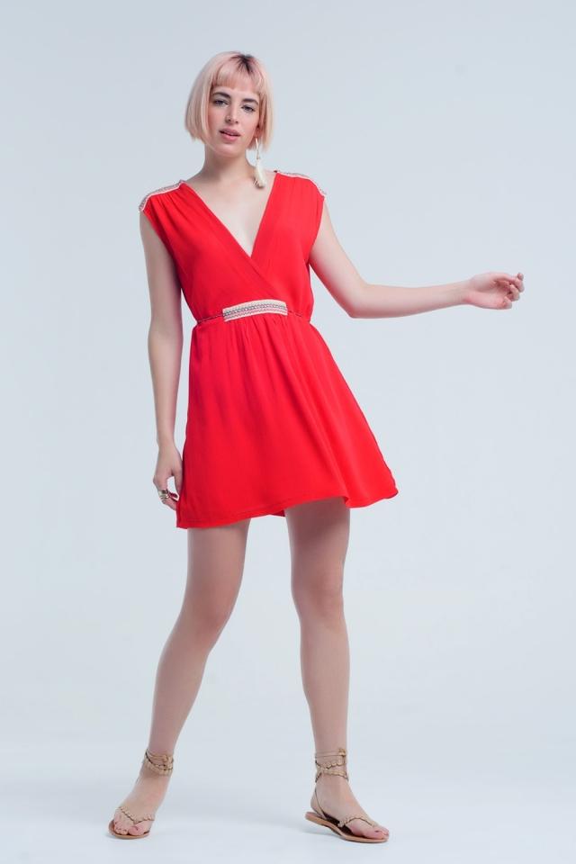 Mini vestido vermelho com bordado