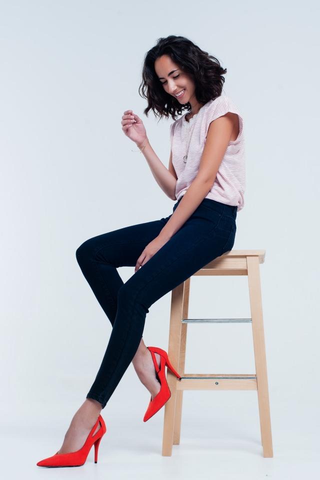 Calça skinny preta push-up efeito