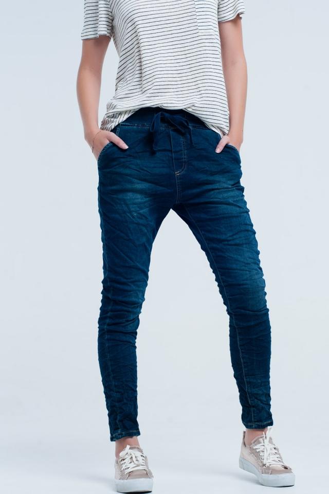Boyfriend blue jeans com elástico na cintura