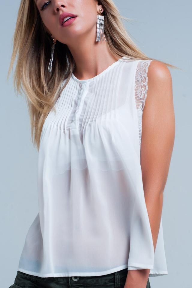 Blusa branca de mangas com pregas
