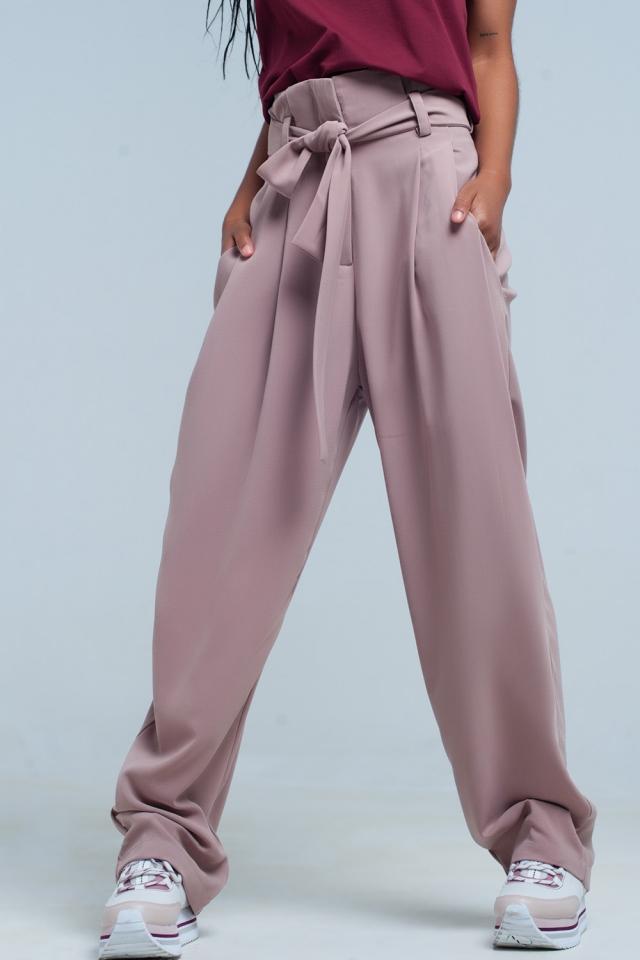 calças rosa de cintura alta com arco