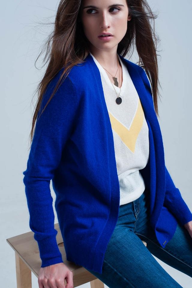 Casaco de lã azul macio mangas compridas