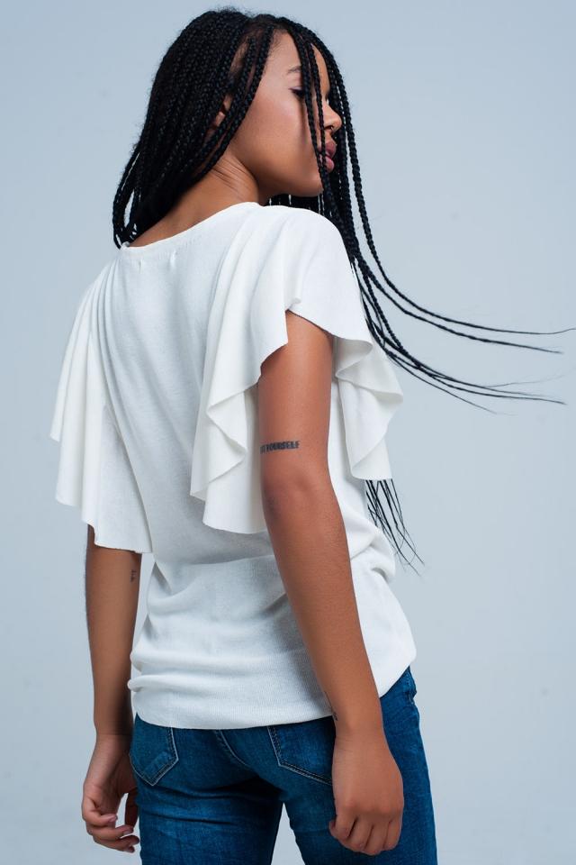 Camisola branca com detalhe de babados
