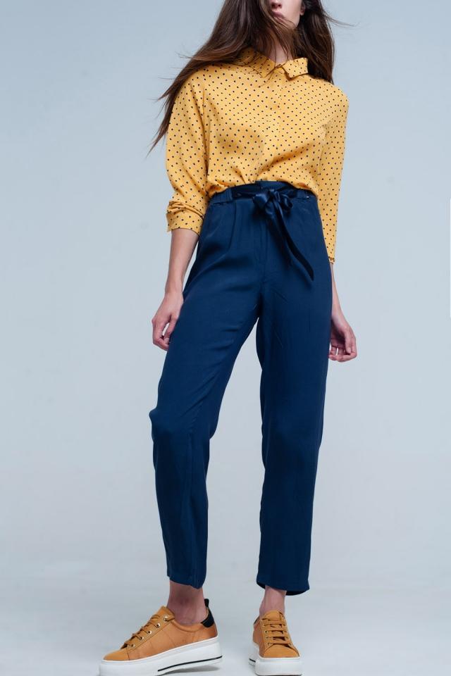 calças azul marinho com Cinto de cetim