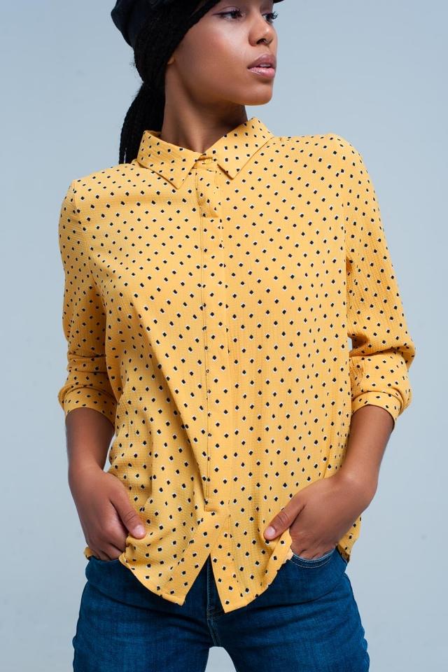 Camisa de mangas compridas mostarda com bolinhas