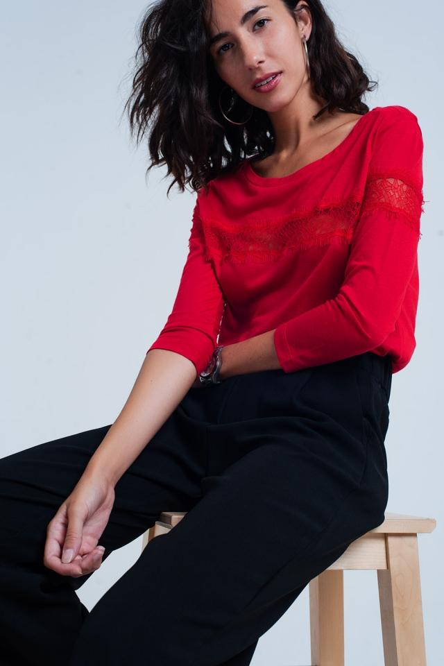 T-shirt vermelha com mangas 3/4 com detalhe de laço