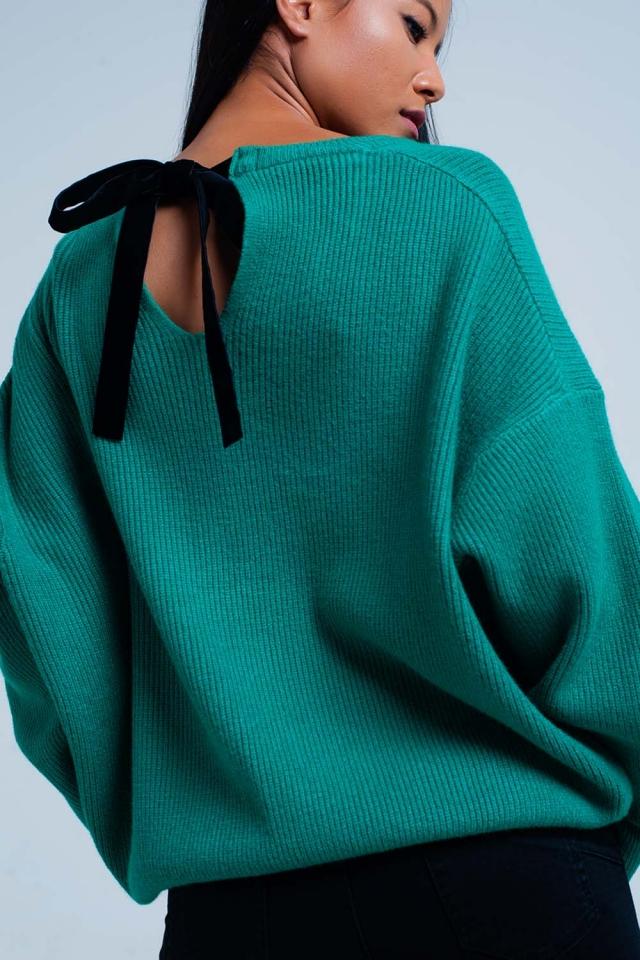 Camisola verde com lazo traseiro