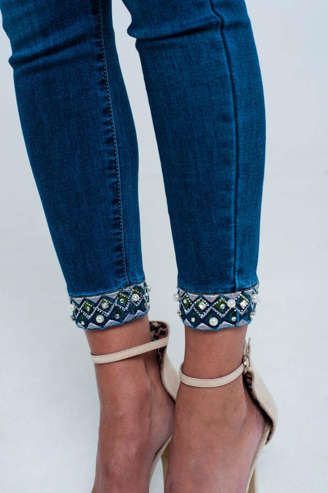 Calça de ganga skinny de tornozelo com bordado