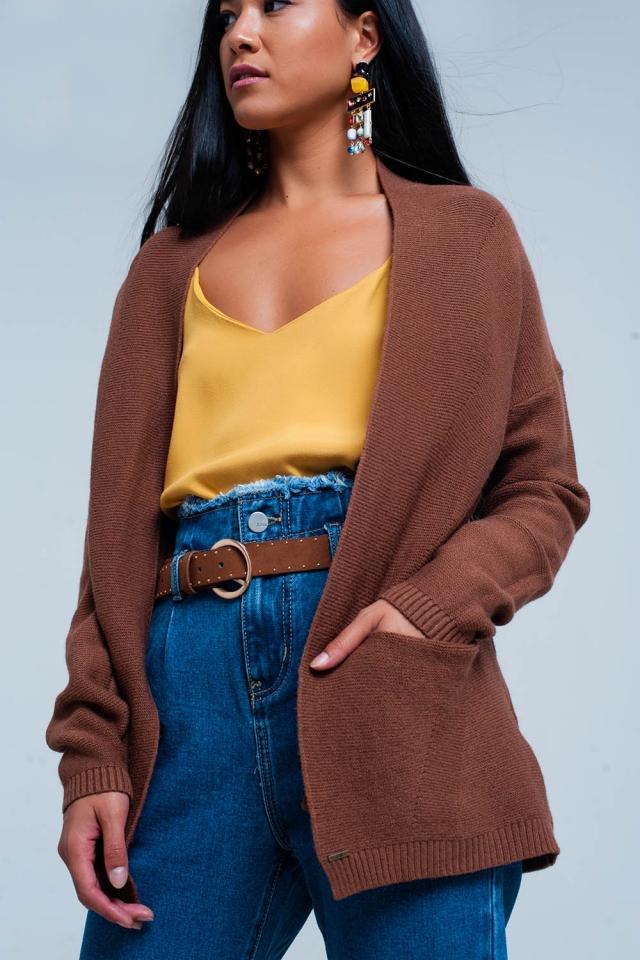Casaco de lã marrom com bolsos