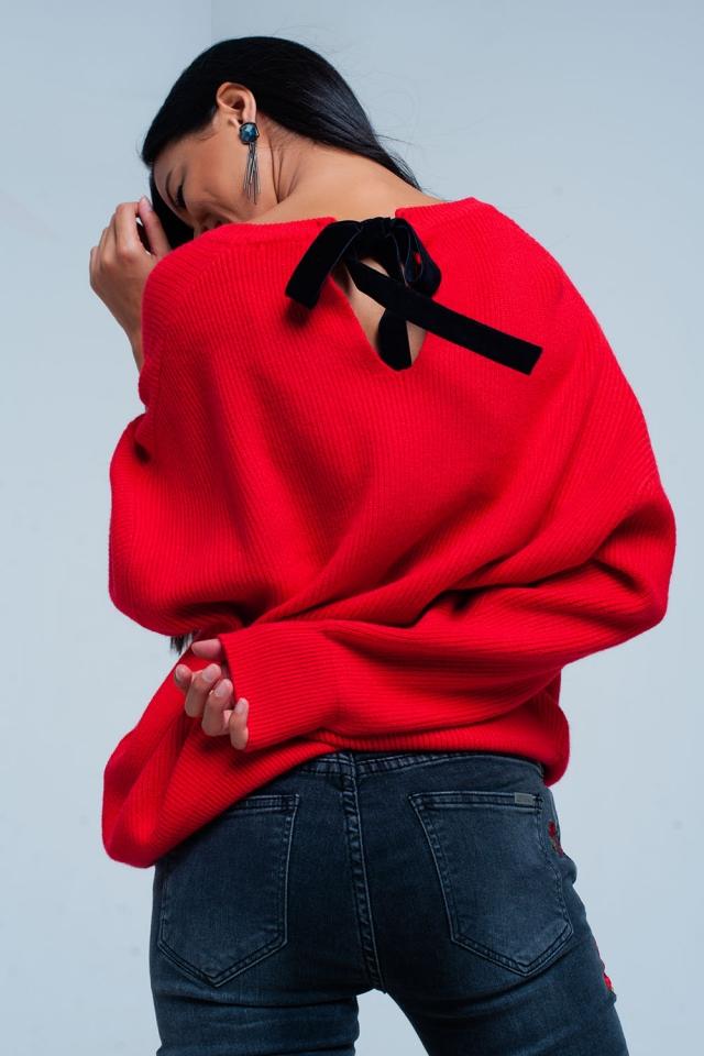 camisola vermelha com lazo traseiro