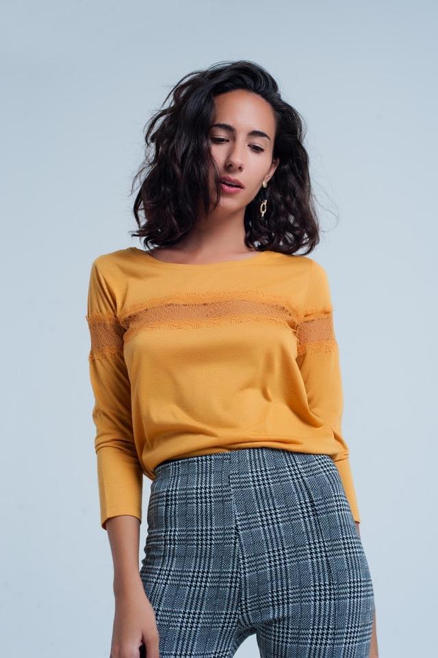 T-shirt mustard com mangas 3/4 com detalhe de laço