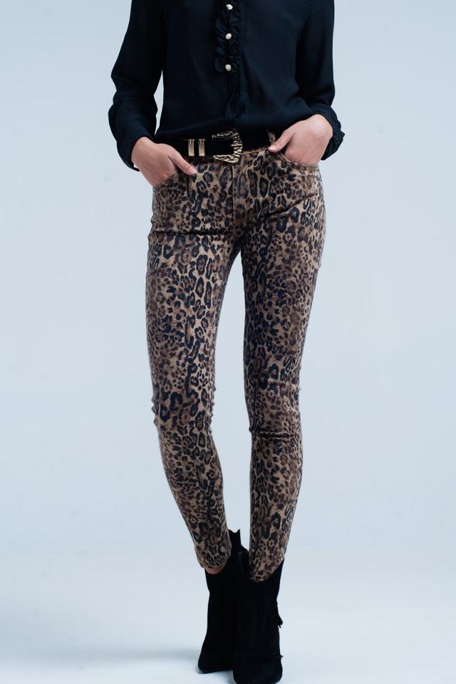 Calças skinny marrom em estampa de leopardo
