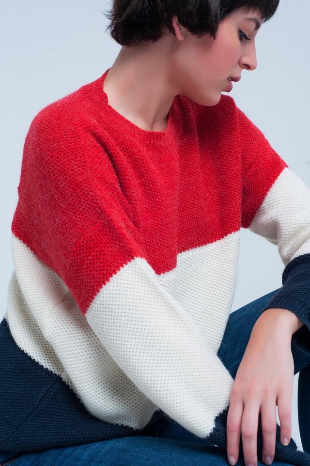 Camisola listrada vermelha e azul com gola redonda