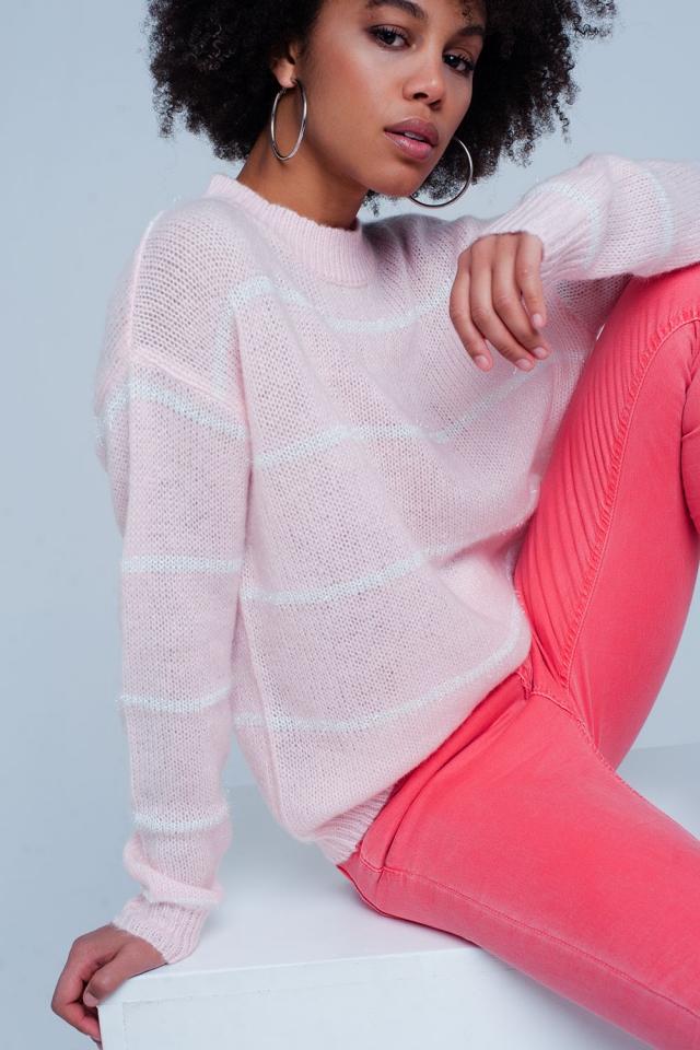 Camisola rosa listrada com pescoço redondo