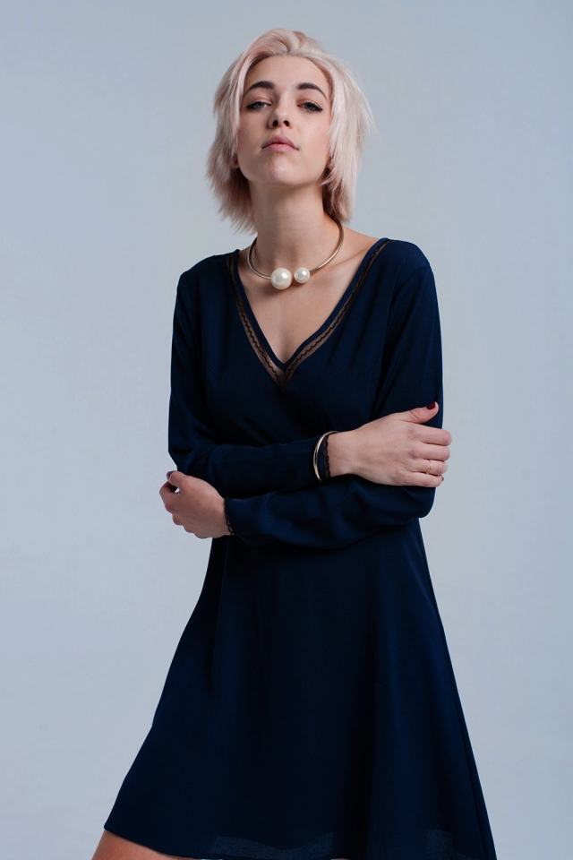 Mini vestido azul marinho com renda e lantejoulas
