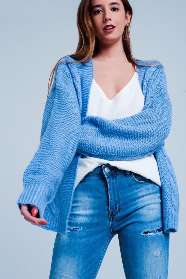 Cardigan azul extragrande em malha trançada