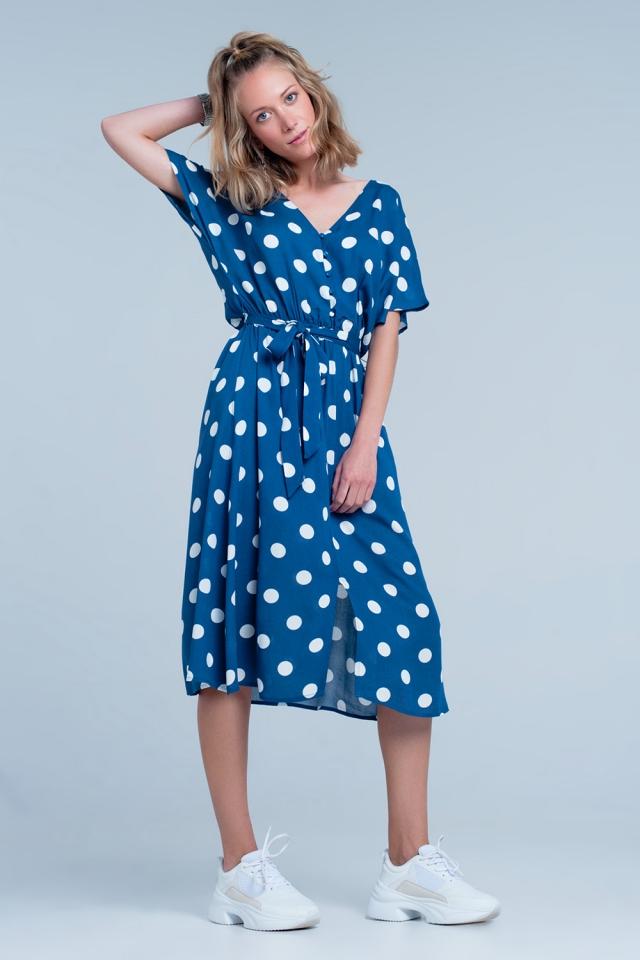 Vestido de midi azul de bolinhas com botões