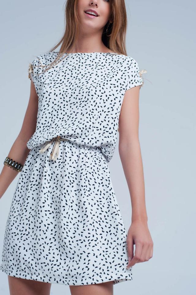Vestido de camisa de Branco com cinto de renda