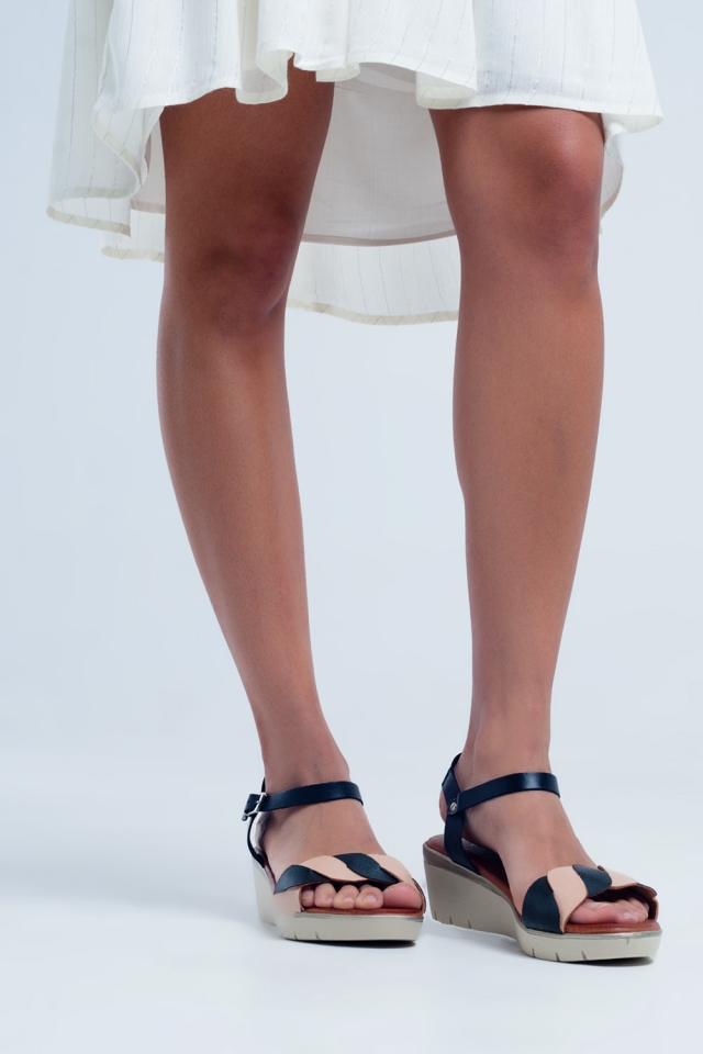 Sandálias de cunha de couro preto