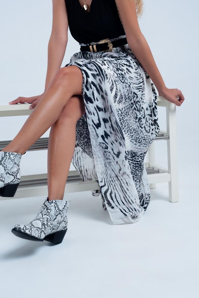 Saia plissada com estampa de leopardo