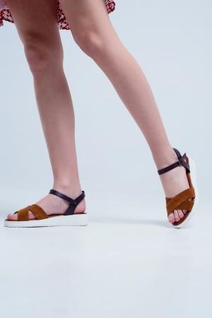 Sandálias de couro baixo cor de camelo