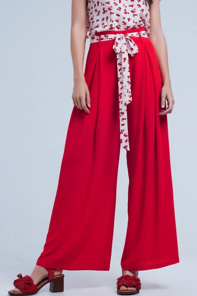 Calças pregueada vermelha com perna larga com laço na cintura