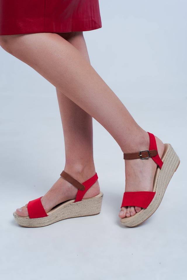 Sandálias Alpargatas com cunha em vermelho