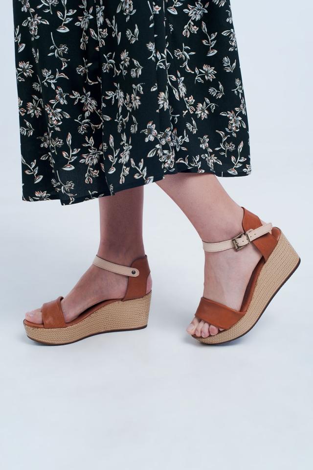 Sandálias de cunha em estilo alpargata com faixa camelo