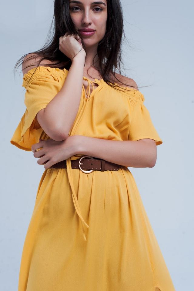 Vestido longo amarelo com abertura