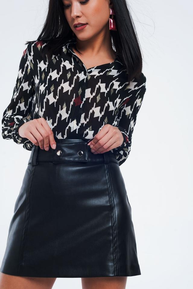 Camisa de ajuste clássico de impressão geométrica preta