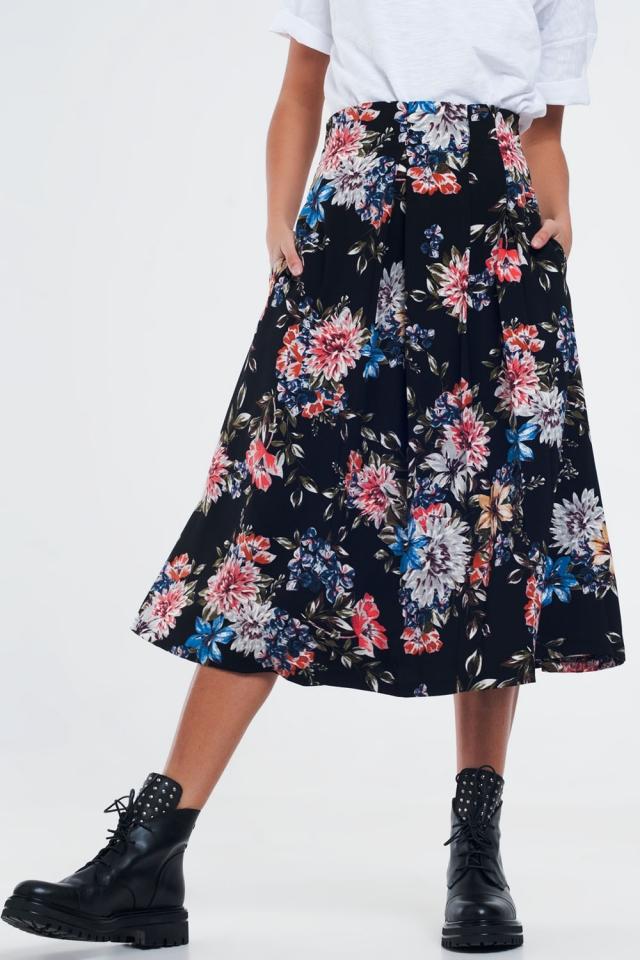 Saia floral preta com pregas de caixa