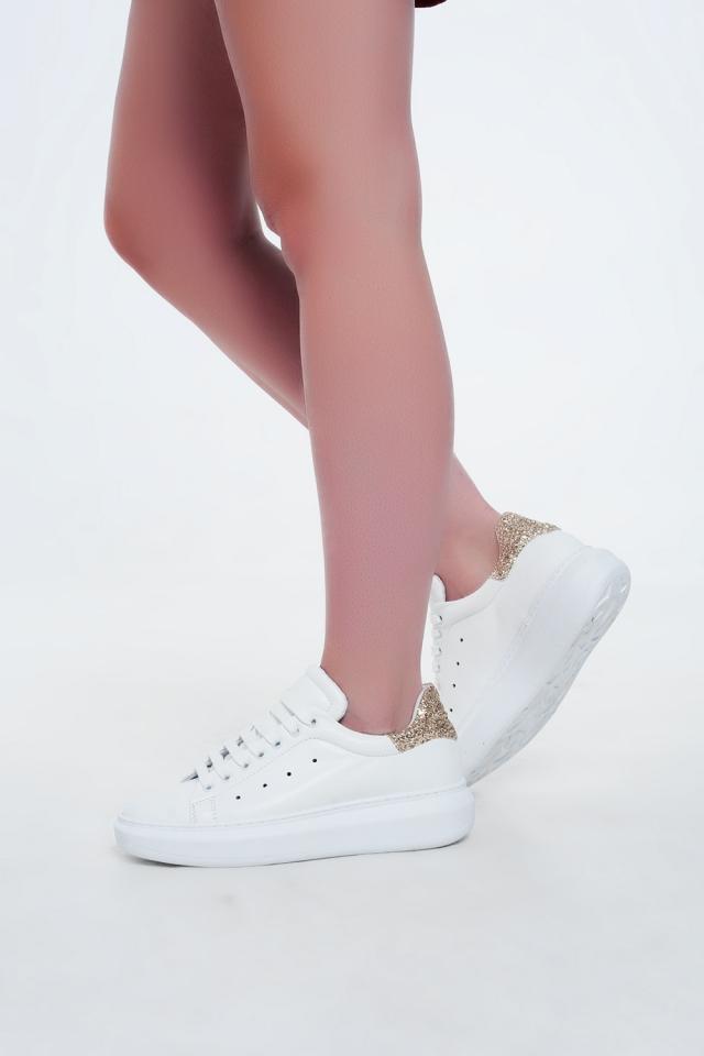 Sapatos baixos com plataforma e glitter dourado