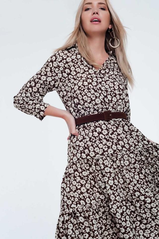 Vestido de comprimento médio com flores vintage com cinto